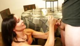 Adult milf likes giving nasty oral fucking to a young and prurient lad